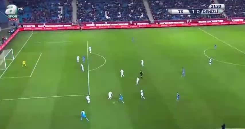 Trabzonspor Denizlispor karşısında 1-0 öne geçti