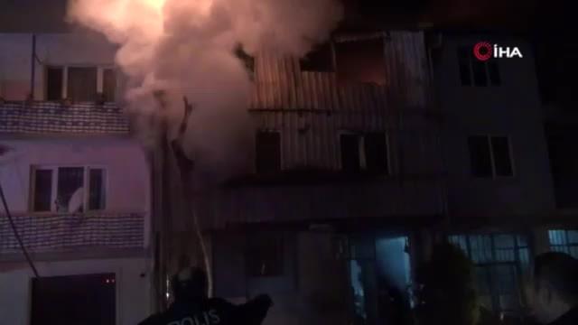 Bursa'da 3 katlı geri dönüşüm fabrikasında korkutan yangın