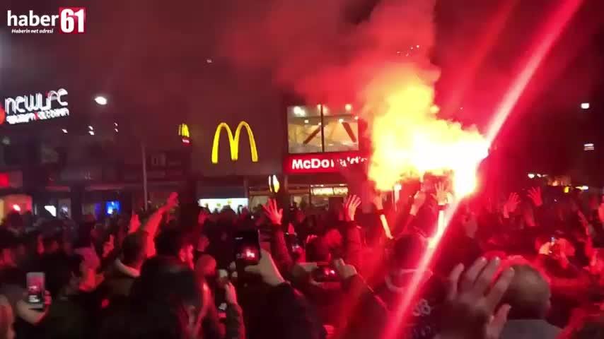 Trabzon meydanında galibiyet coşkusu