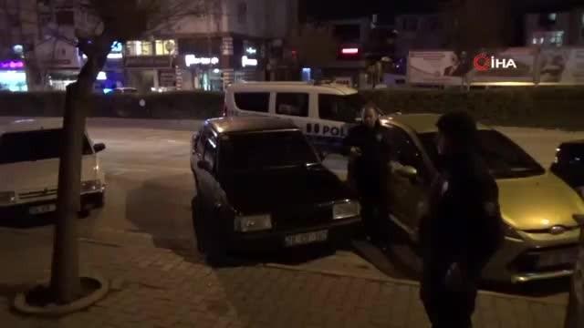 Kavga ihbarına giden polislere sazlı pastalı sürpriz