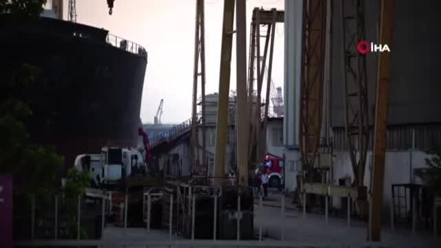 Tuzla'da bir tersanede iskelenin halatı koptu: 5 işçi yaralı