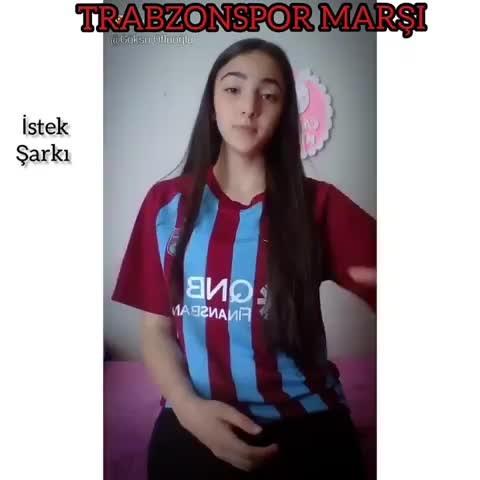 Trabzonspor marşını bakın nasıl söyledi?