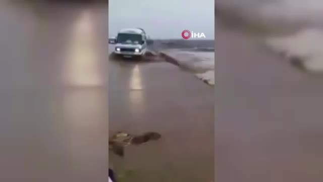 Fas'ta yolcu otobüsü devrildi 6 ölü