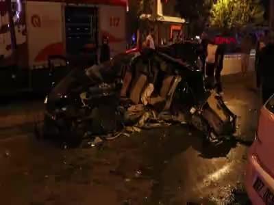 Karşı şeride geçen otomobil, cip ile çarpıştı: 2 ölü, 6 yaralı