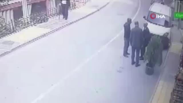 Cinayet anı saniye saniye kameraya yansıdı