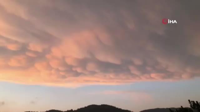 Türkiye'de ender görülen memeli bulutlar Hatay'da görüntülendi